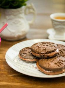 Receita de biscoito de chocolate recheado de Nutella – O Chef e a Chata