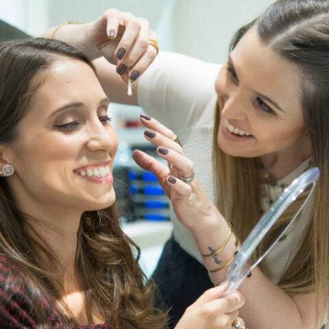 Bancando a professora: aula de maquiagem na Clinique!