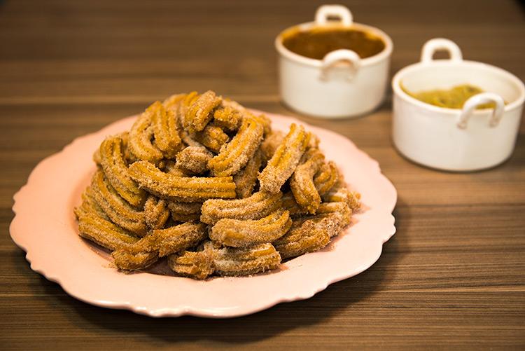 Como fazer churros com brigadeiro de pistache - O Chef e a Chata em SP - Lu Ferreira