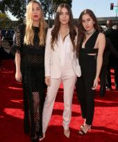 Haim: melhor look do Grammy!