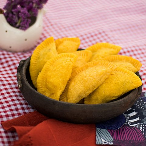 Como fazer pastel de angu – O Chef e a Chata