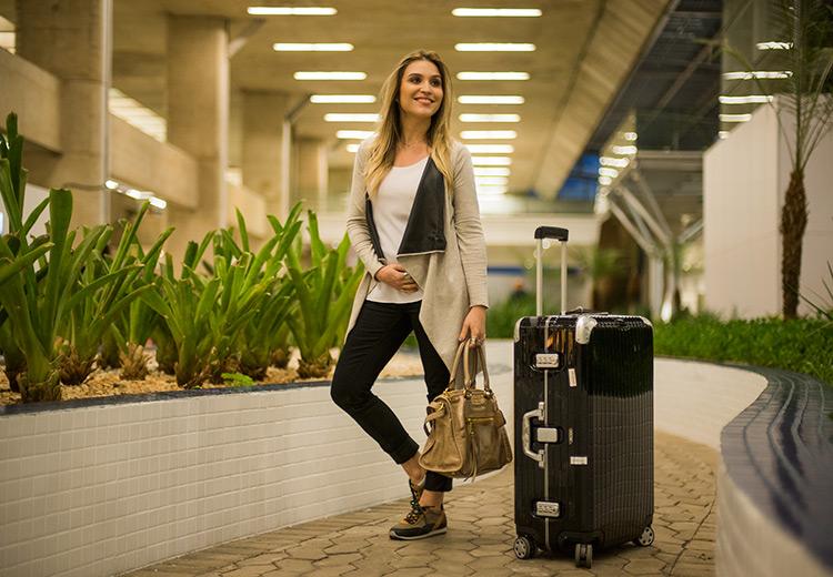 Viajando de avião grávida - Lu Ferreira  c80a32221b3