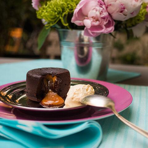 Como fazer Petit Gâteau com caramelo salgado – O Chef e a Chata em Paris