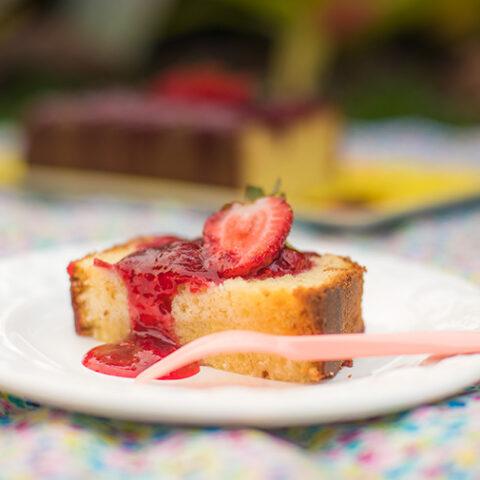 Receita de Bolo de Ricota com calda de frutas vermelhas – OCEAC