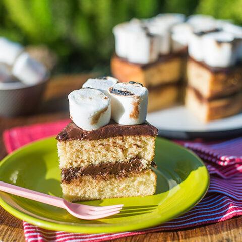 Bolo S'mores com chocolate e marshmallow – O Chef e a Chata