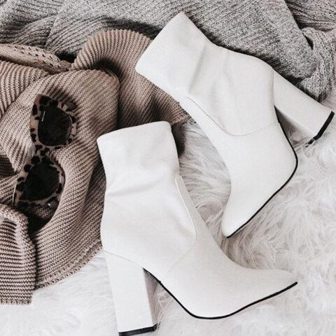 Sapatos brancos entram no seu armário?