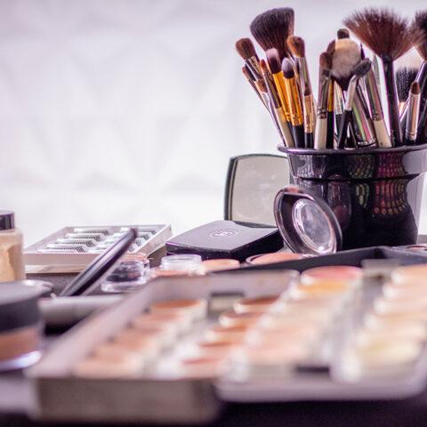 Os queridinhos dos maquiadores para turbinar sua necessaire