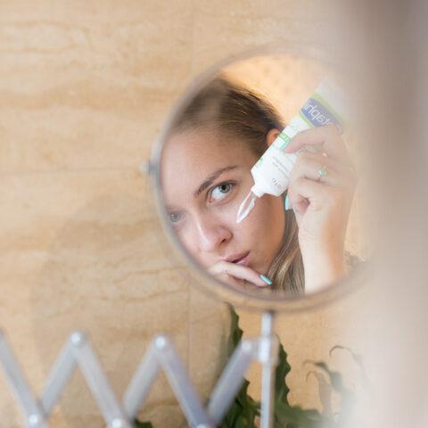 13 hidratantes para você usar ao redor dos olhos