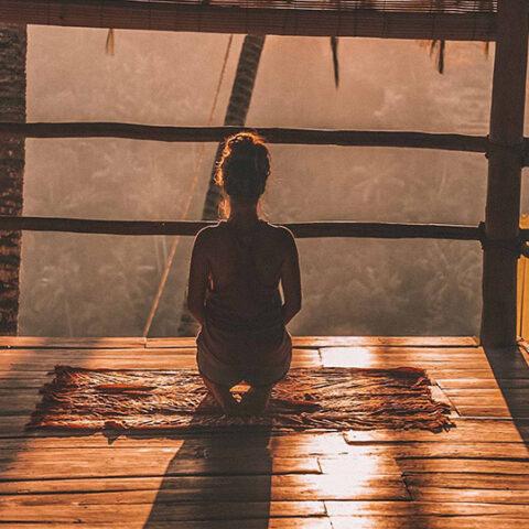 5 aplicativos de meditação para te ajudar a lidar com a ansiedade