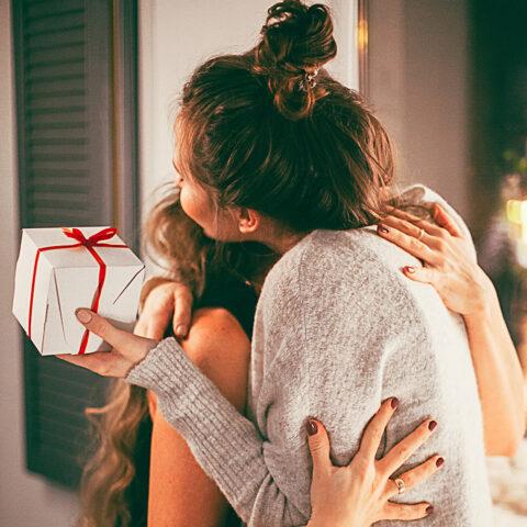 Amigo oculto: como arrasar na escolha do presente!