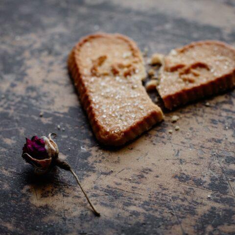 O Dia dos Namorados te deixa pra baixo? Então leia este post!