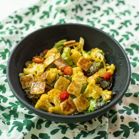 #Chatanacozinha: Salada com queijo coalho crocante